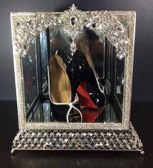 Tear drop shoe box rental