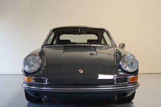 grey 911 | The car has been repainted it's original color, 6801 Slate Grey.