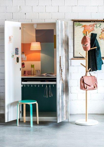 Een verstopt bureau in de PAX garderobekast (100 euro)