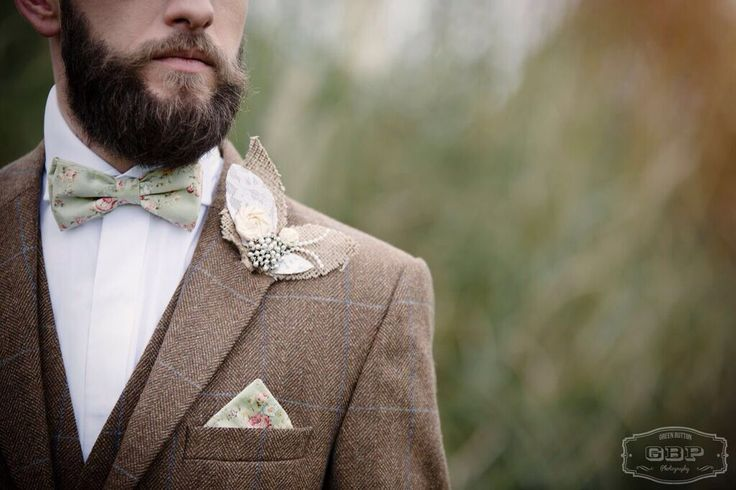 Bespoke handcrafted double layer bow tie and matching pocket square from Lilly Dilly's #wedding #groom #ushers #floral #vintage #bow tie #Lilly Dilly's #mint green #bespoke #handcrafted #pocket square #couture