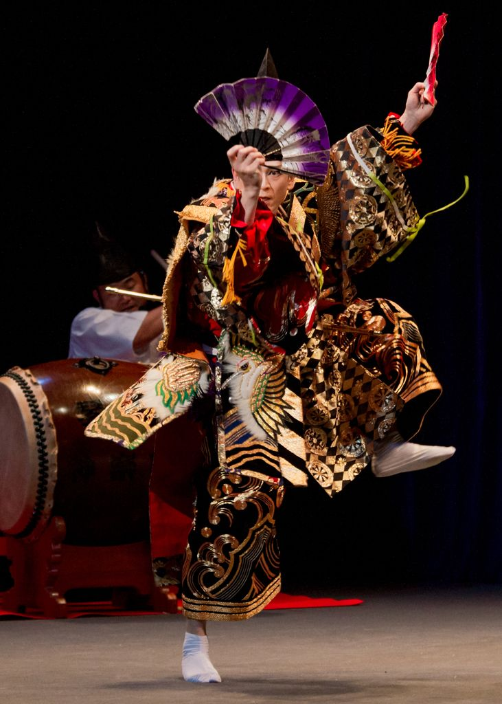 Japanese Shinto theatrical dance, Kagura 神楽