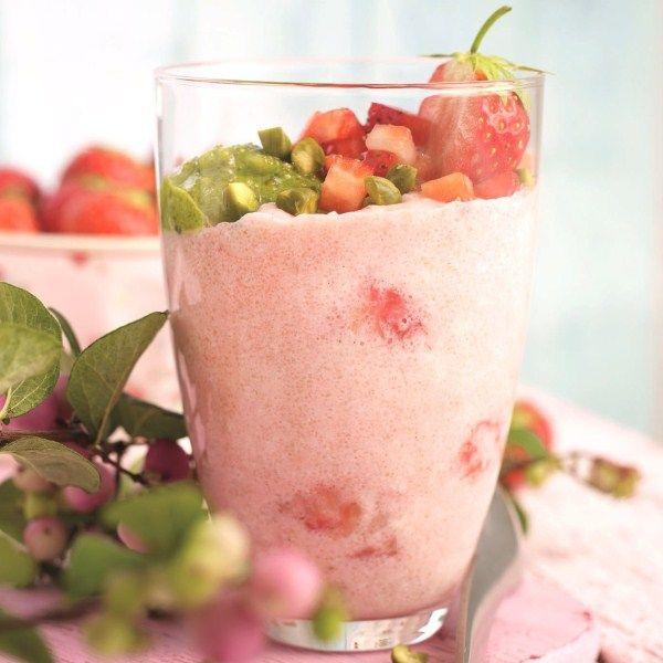 Mmmm, Aardbeien-griesmeelpudding met pistachepesto #WeightWatchers #WWrecept