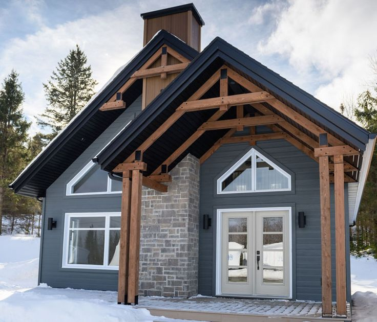Das Modell Saint-Anne träumt von seinem natürlichen Erscheinungsbild und von Öffnungen, die Ihr Zuhause beleuchten. Sie werden einen eigenen Komfortbereich entdecken.