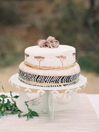 Safari wedding cake | http://burnettsboards.com/2013/12/safari-elopement/