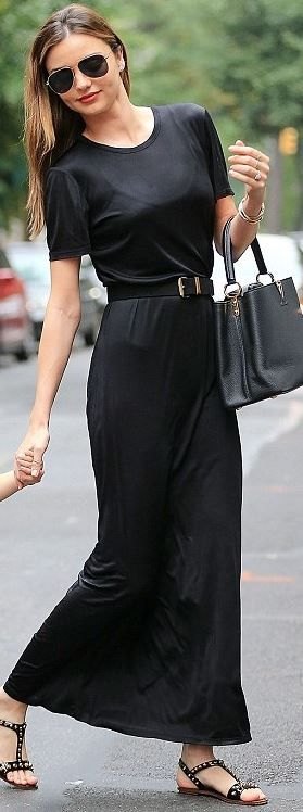 black tote handbag, black MAXI, black aviators  gold jewelry, and black sandals