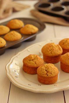 Preparam-se num instante e rendem uma bela fornada. Também pode fazer numa forma de bolo em vez de usar as forminhas para queques