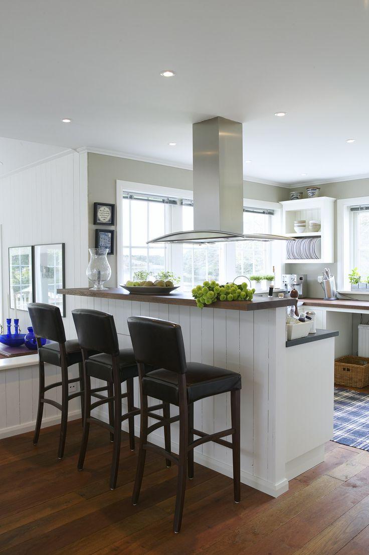 Ett härligt öppet kök, med köks ö i ett #NewEngland hus