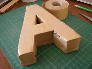 29 best lettre en carton images on pinterest cardboard letters cartonnage and creative ideas. Black Bedroom Furniture Sets. Home Design Ideas