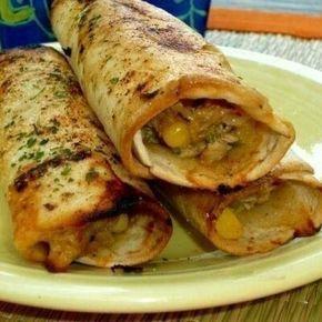 ХРУСТЯЩИЕ КУРИНЫЕ РОЛЛЫ Ингредиенты: · лаваш тонкий · отварное куриное филе · кукуруза · сыр · капустный салат... Коллекция Рецептов - Мой Мир@Mail.ru