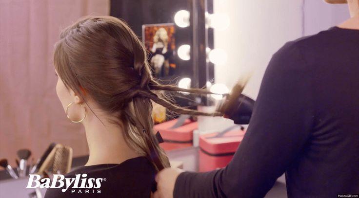 Usare Twist Secret è semplicissimo. 1) Inserisci due ciocche nei ganci 2) Alzi il pulsante per avvolgere le ciocche su se stesse 3) Abbassi il pulsante per avvolgere le ciocche tra di loro. Semplice no? #twistsecret #babyliss #braid #tutorial #idea #diy #braids #braidtutorial #trecce #treccia #girl