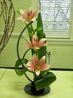 """""""Morning Has Broken"""" a creative design. #flower arrangement   Gardenclubjournal.blogspot.com"""