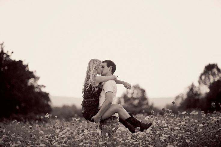 engagement in a flower field, country, cowboy boots. love.: Engagement Pictures, Kiss Me, Engagement Photos, Country Girls, Songs Lyrics, Engagement Pics, Cowboys Boots, Gonna Kiss, Country Pictures