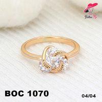 Xuping Cincin Berlian Gold Spiral Lapis Emas OC 1070  Perhiasan Xuping Lapis Emas 18k, Awet dan Tahan Lama, pancaran kilau cantik . Tampil cantik dengan keunikan pilihan model dan warna sesui hati anda  Fast Respon Pin BBM : D5B0B9AB  WA/SMS/Telp : 081546577219  bahan dasar tembaga (bukan besi). dilapisi RODHIUM yang biasanya digunakan untuk melapisi emas di toko-toko emas 18k.Permata Zircon, Bisa di sepuh ulang dan anti alergi.