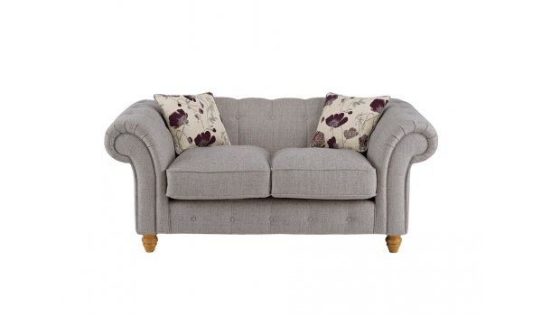 Save 50% - Now £599.98 Classic, Chesterfield style range to suit modern or traditional homes. Hardwood is used in the frame. Seat cushions are fibre and foam filled for shape retention and comfort. Complete with oak feet.