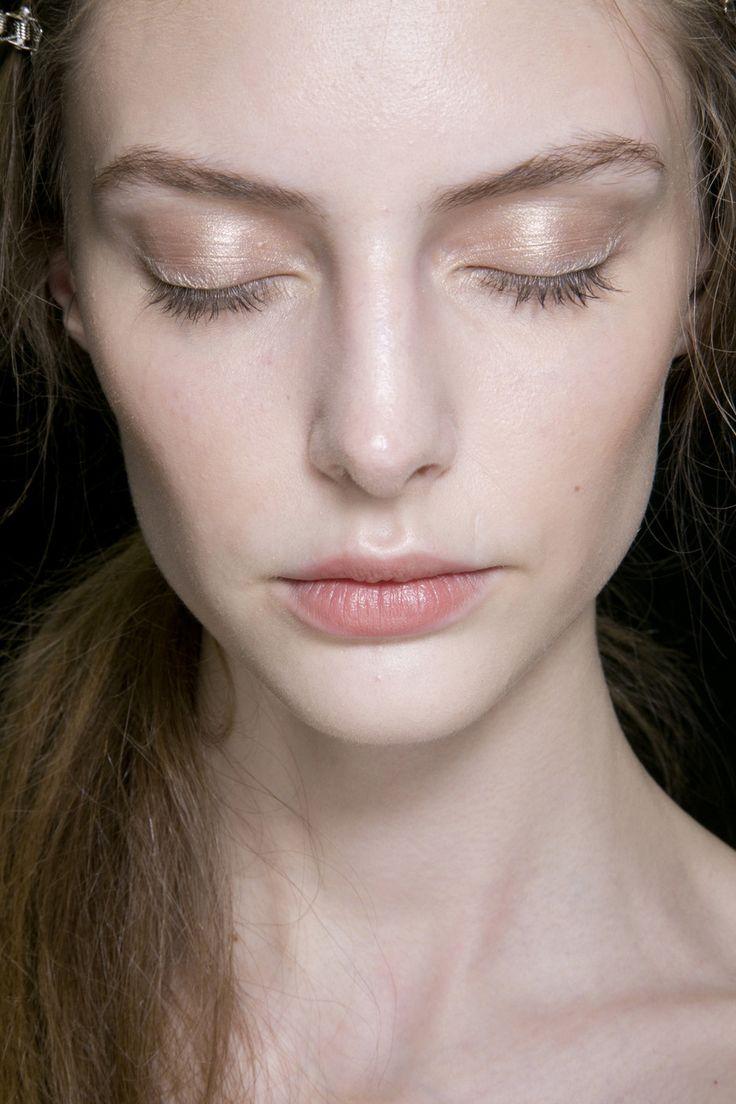 soft shimmery eyeshadow, golden blush + natural lips