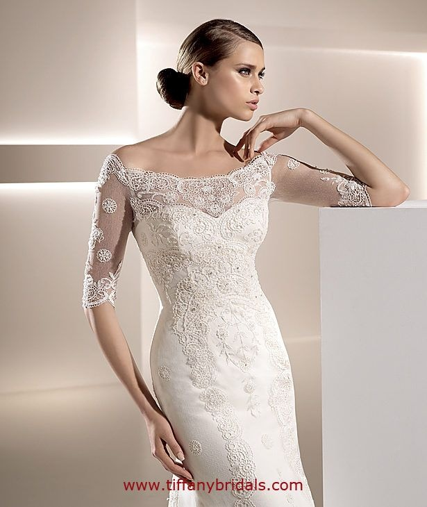 Pronovias Barcelona Has Proven To Be One Of The Most Well Recognized Brands In Wedding Gown Industry From Magazines Bill Boards