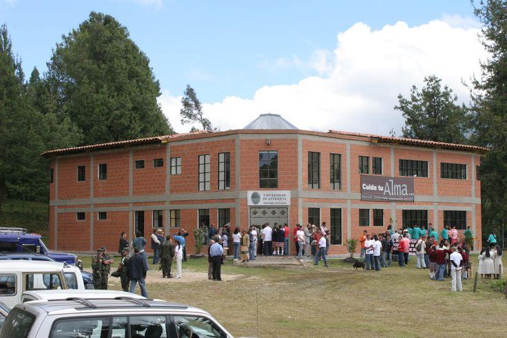 15-Inauguración Sede Sonsón. 2006