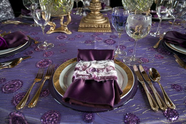 Soft, Lush and Dreamy Flowers Among Contemporary and Romantic Purple & Gold Table Settings | Fab You Bliss