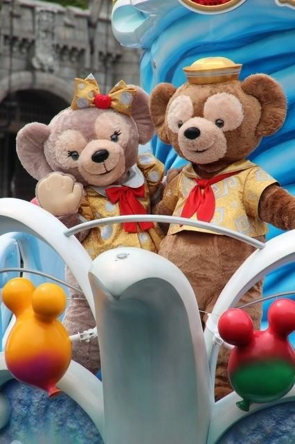 """Tokyo Disney Resort: Duffy and Shellie May at the """"Happiness is Here ..."""