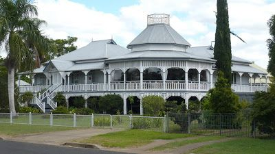 Helsie's Happenings: OLD QUEENSLANDERS
