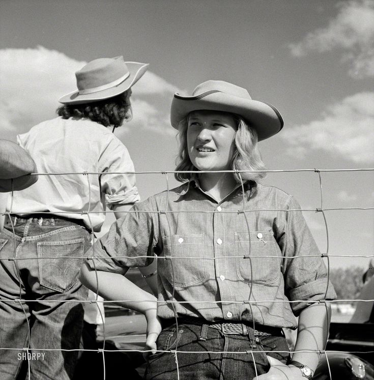 Shorpy Historic Picture Archive :: Shoulda Been a Cowgirl: 1941 high-resolution photo