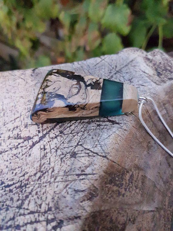 Hout met groene epoxy hanger hars/houten ketting by anneliesjewels