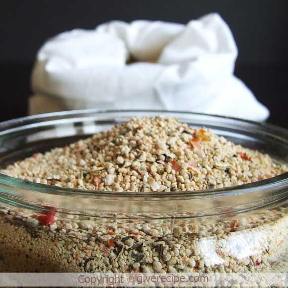 Homemade Dried Soup. Just mix with water and let it boil. So easy and comforting in Winter! | giverecipe.com | #soup