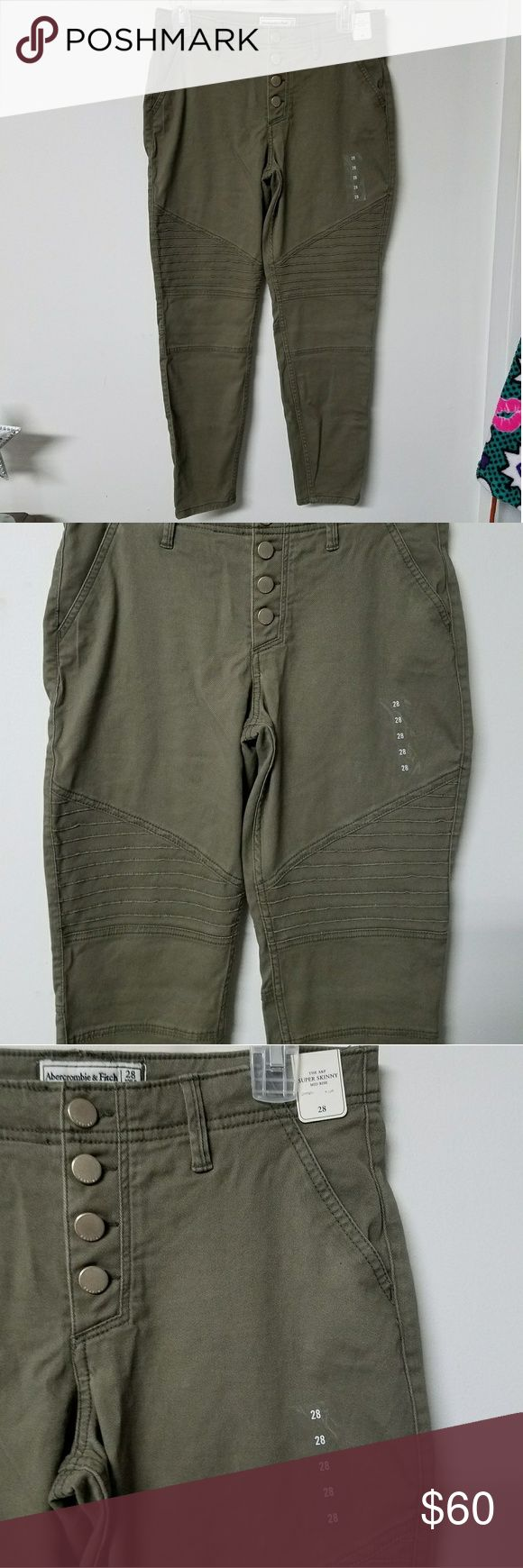 Abercrombie and Fitch Olive green pants size 28/5 Up for sale is a pair of brand new with tags Abercrombie and Fitch Olive green cargo pants. They are mid rise and fit a little bit looser for the size. They are a size 28 which is also known as a size 5 in juniors.   I would say these could definitely fit someone more petite or medium height. These are a skinny fit, but I would say it's more on the bottom where it is more fitted. Please feel free to make me an offer and thanks for looking…