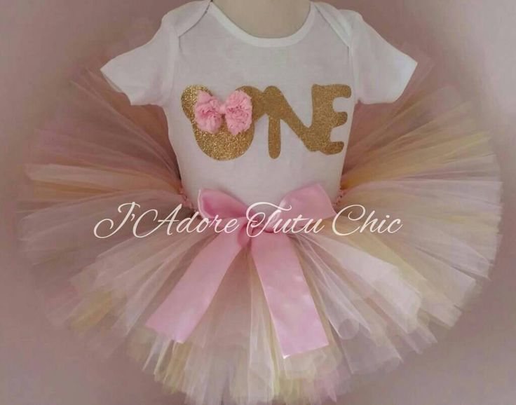 Pink and gold Minnie mouse birthday outfit - pink and gold birthday theme - pink and gold Minnie mouse birthday - minnie mouse 1st birthday by JAdoreTuTuChic on Etsy https://www.etsy.com/listing/249399841/pink-and-gold-minnie-mouse-birthday