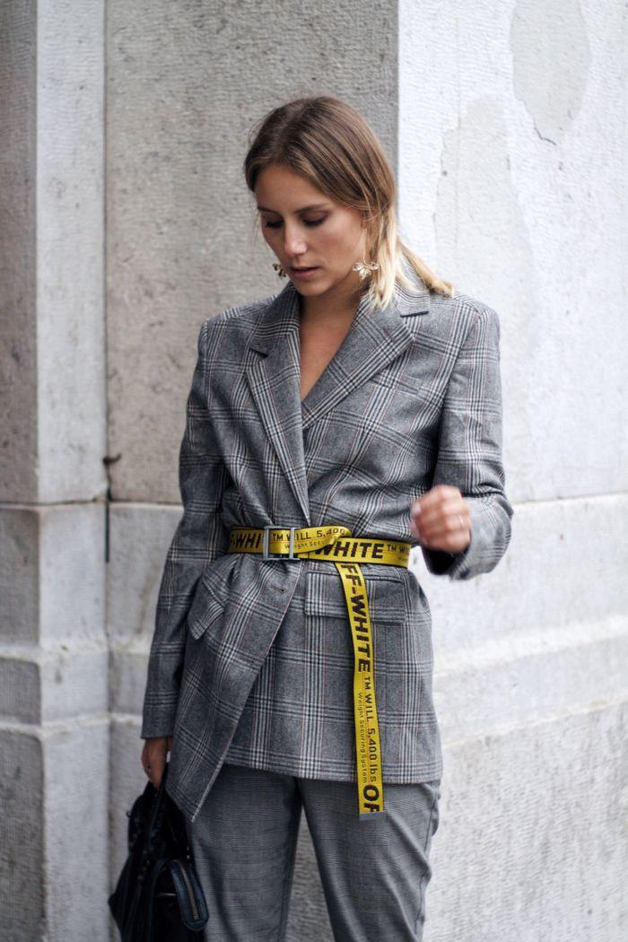 Stilbruch Mit Kleidung Deines Freundes Karierter Blazer Off White Gurtel Kleidung Business Kleidung Frau Gelbes Outfit