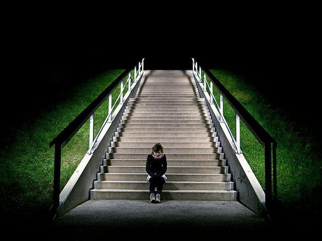 Ist das Netz ein 'guter Ort' für Menschen ohne Halt? Was können wir tun bei Depressionen? Diese Fragen beschäftigen mich, seit ich kürzlich früh am Morgen auf Twitter eine bestürzende Nachricht las. Und den Abschiedsbrief eines Bloggers.