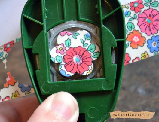 Make your own washi tape stickers! Maak je eigen stickers met een pons en #washi of #maskingtape!