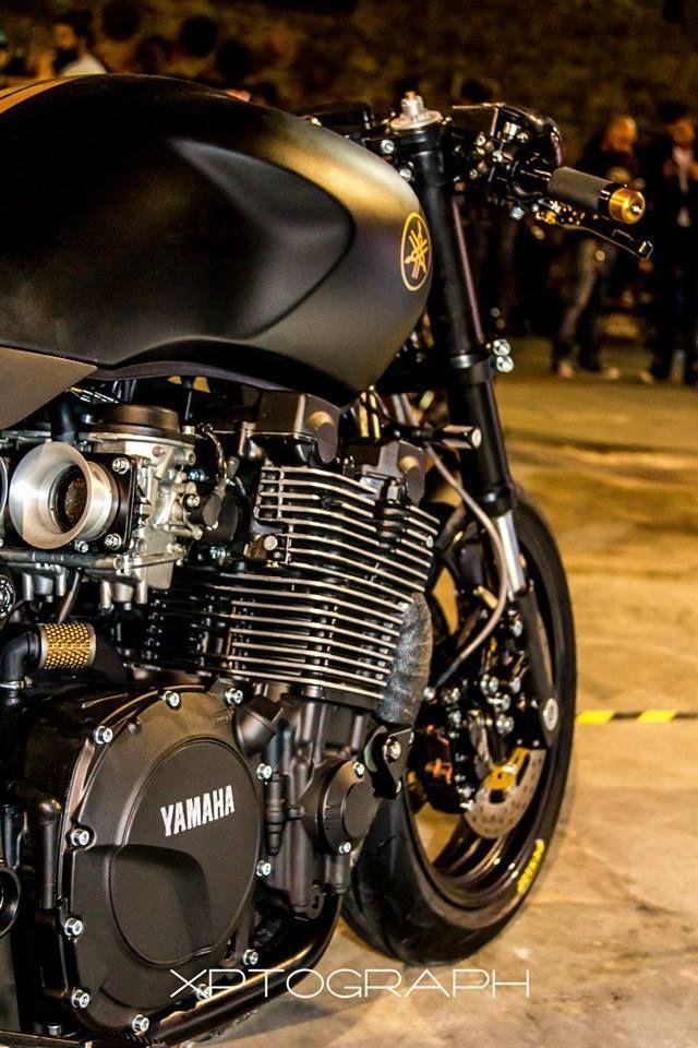 "Yamaha XJR1300SP ""Stealth"""