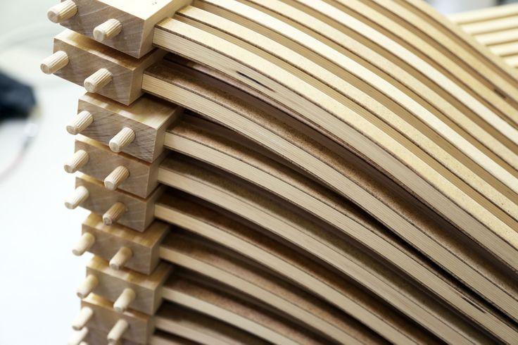 Työvaihe: Ruokatuolin selkänojan valmistus | Craft: Dining chair frame production Tuotantolinja: Pöydät | Production line: Dining   #pohjanmaan #pohjanmaankaluste #käsintehty
