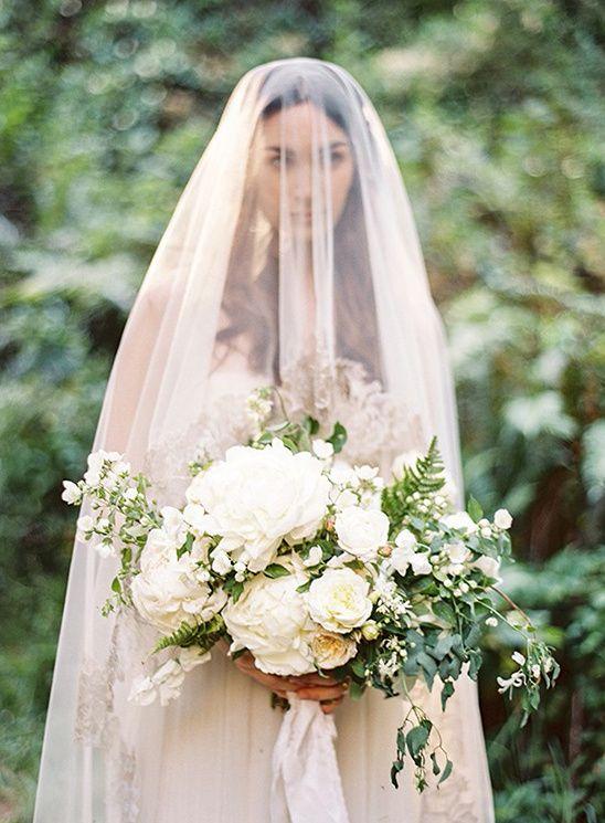 beautiful loose white wedding bouquet