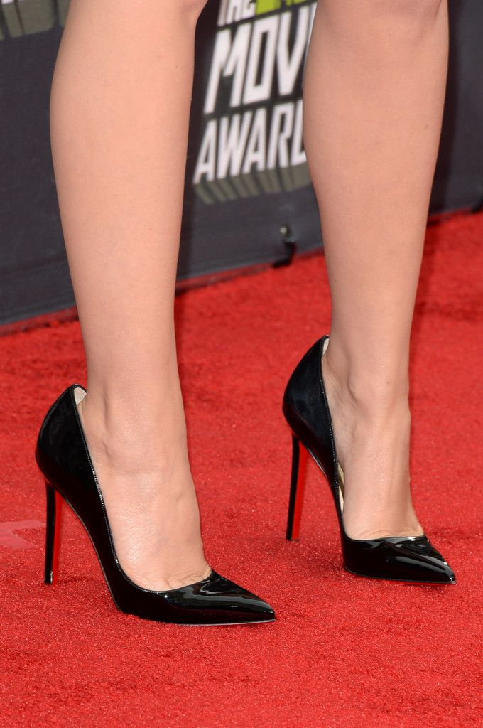 Kylie Minogue Pumps - Kylie Minogue rocked a classic pair of patent leather pumps.