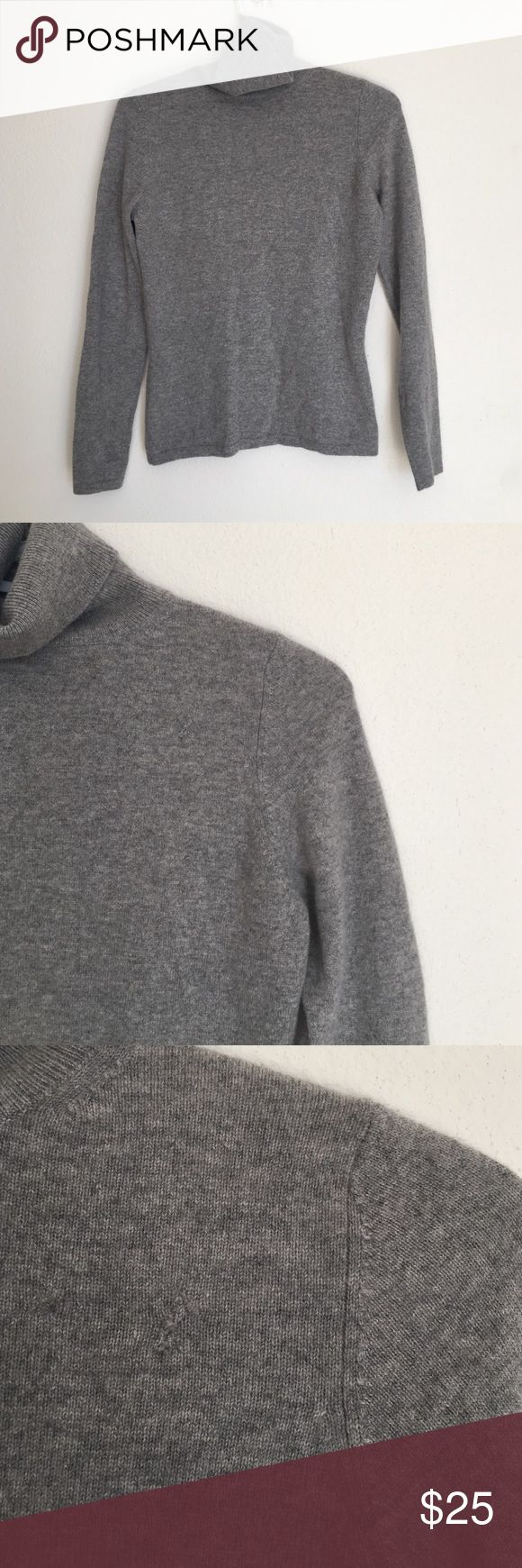 ❗️SALE❗️Neiman Marcus Cashmere sweater Neiman Marcus Cashmere sweater. Has a few fixes but is a great layering piece. Neiman Marcus Sweaters Cowl & Turtlenecks