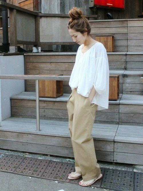 FRAMeWORKのパンツ「≪予約≫カツラギ ワイドパンツ。」を使ったharu(Spick & Span 本社)のコーディネートです。WEARはモデル・俳優・ショップスタッフなどの着こなしをチェックできるファッションコーディネートサイトです。