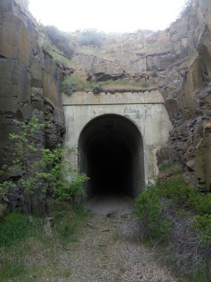 Abandoned Train Tunnel Near Ellensburg, WA [3264x2448] [OC