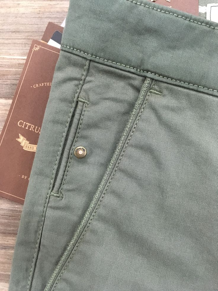 men's chino trouser details - zig zag finish piping / interesting placement for coin pocket w rivet detail  http://niffler-elm.tumblr.com/post/157400464326/2014-bridesmaid-hairstyles-for-short-hair-short