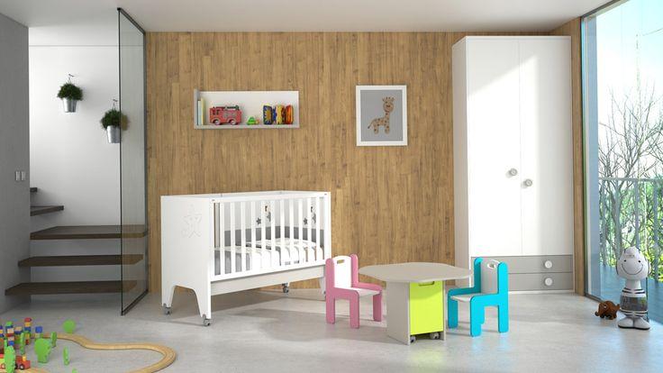 Cuna Sweet con mesita y sillas para los más pequeños. La mesa esconde un cajón interior para guardar los juguetes, lápices de colores o lo que sea.
