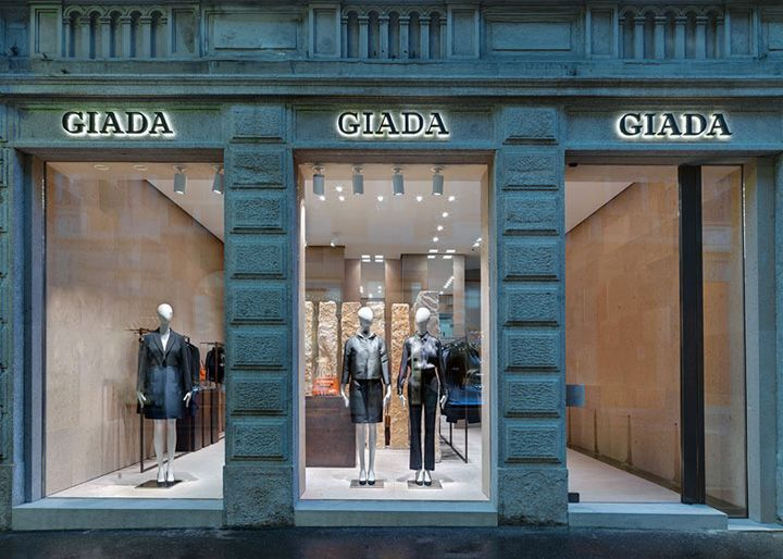 Claudio Silvestrin combined natural materials including leather and different types of stone to give the interior of the Giada store in Milan's Montenapoleone fashion district a luxurious feel.  Visit City Lighting Products! https://www.linkedin.com/company/city-lighting-products
