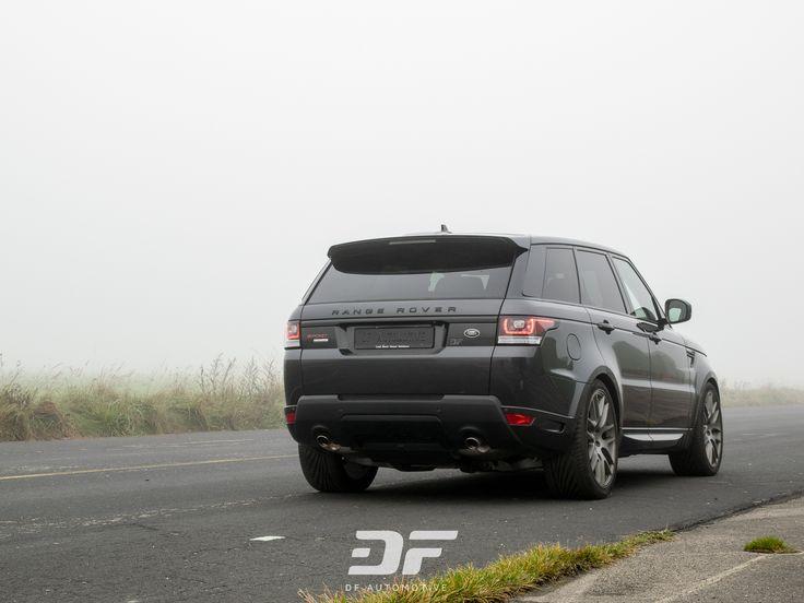 Diesem Range Rover SUV stehen seine breiten Reifen hervorragend. Wenn auch die die passende Reifengröße für deine Alufelgen finden möchtest, dann bist du auf unserem Blog genau richtig!