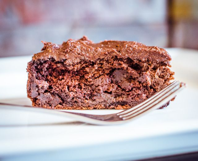 Probably the Healthiest Chocolate Cake There Was | GoodnessGreen