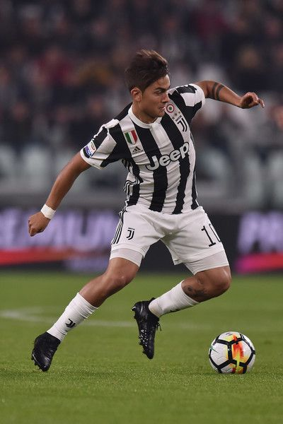 Paulo Dybala of Juventus in action during the Serie A match between Juventus and Spal on October 25, 2017 in Turin, Italy. - 38 of 114
