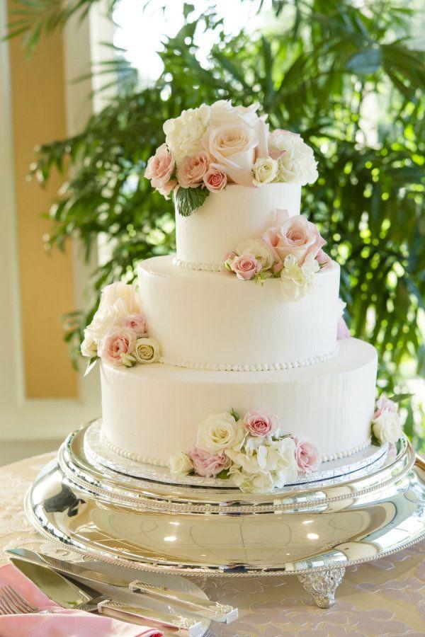 Classic rose-adorned cake: http://www.stylemepretty.com/pennsylvania-weddings/lancaster/2015/08/14/classically-elegant-summer-wedding/ | Photography: Jeremy Hess - http://www.jeremyhessphotographers.com/