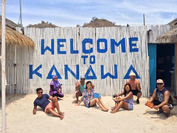 Morning Universe!!. Welcome to Kanawa Island.  Nama yang mirip, membuat pulau ini sering dianggap sebagai pulau yang sama dengan Pulau Kenawa. Namun jangan sampai tertukar. Pulau Kenawa berada di sekitar Pulau Sumbawa, Nusa Tenggara Barat (NTB). Sementara Pulau Kanawa berada di sekitar Pulau Flores, NTT. Terletak sekitar 15 km dari Labuan Bajo, ibukota Kabupaten Manggarai Barat, Nusa Tenggara Timur (NTT).   #pulaukenawa #flore #explorekomodo #exploreflores #tukangjalan #tukangjalantrip…