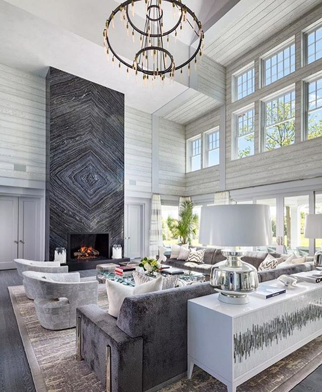 Hi Fam! Hope you are having a lovely weekend! Winding down over here.. Credits for today's inspiration anyone? #homedecor #decor #design #classy #opulence #glamour #glam #light #fixtures #luxurylisting #realestate #luxe #adore #beautiful #custom #glam #roomtransformation #luxurydecor #makeover #homemakover #interiordesign #interiordesigner #homedecor #lovefordecor #velvetmusings