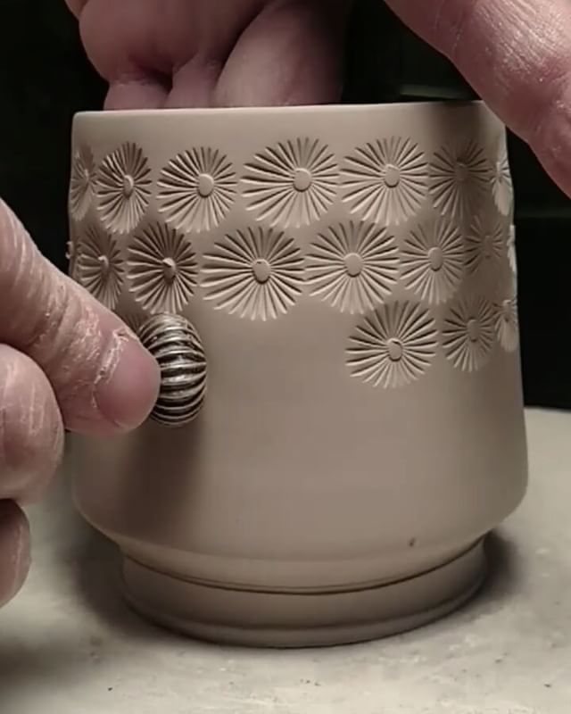 "2,959 Likes, 50 Comments - Paul and Tracy Lyon (@lyonclay) on Instagram: ""...I know that I've posted a video of this texturing before but this time the consistency of the…"""