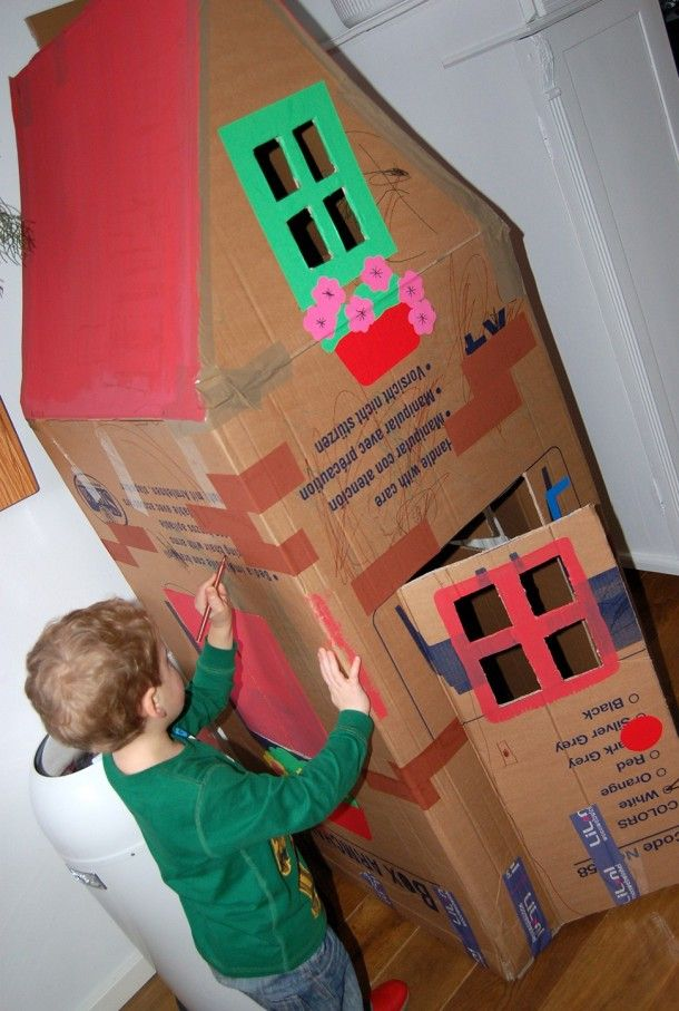 Van een doos een huisje maken met de kinderen! Door ingeborgdevogel